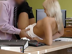 LOAN4K Mischievous clerk lures the beautiful woman into having a hookup session