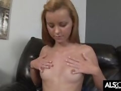 Jessie Rogers Clamps Her Vagina Lips Back for Spraying Ejaculation