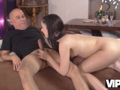 VIP4K Old stud idolizes beaver of tongues Girlfriend before they have cocks affair