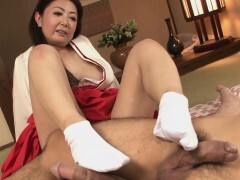 Mature Asian bitch in her kimono tries out 2 dicks