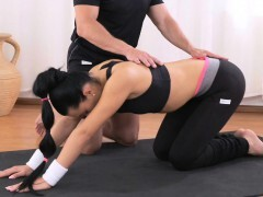 Fitness Rooms Gym Bunny screws her private fitness trainer